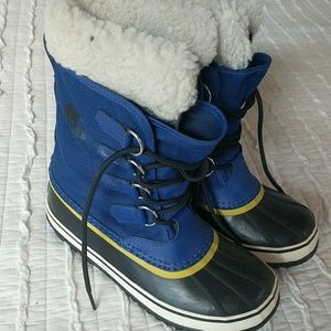 Sorel women's winter carnival blue boots EUC